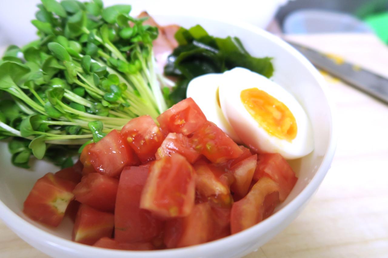 冷やしラーメンの具材|トマトはおすすめ
