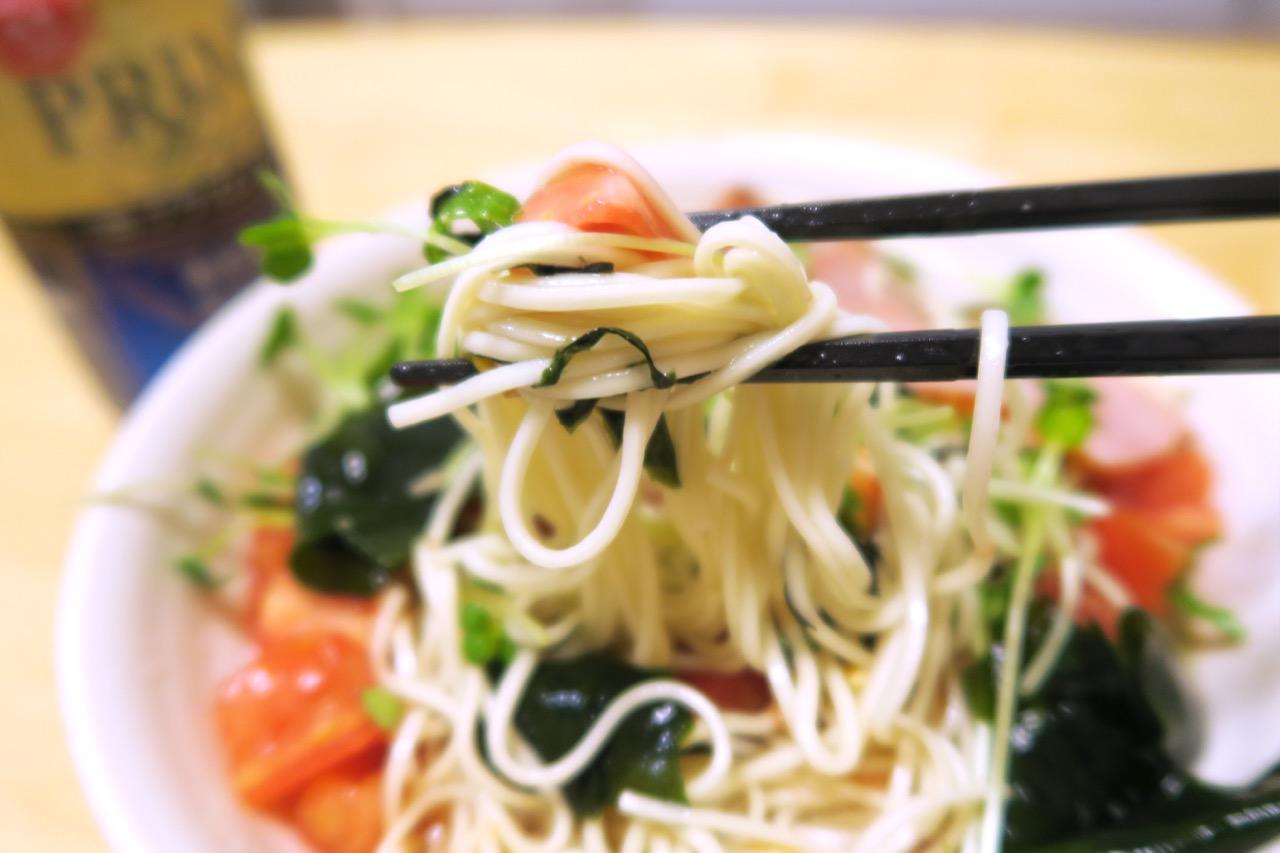 野菜たっぷり、秋田比内地鶏冷やしラーメン