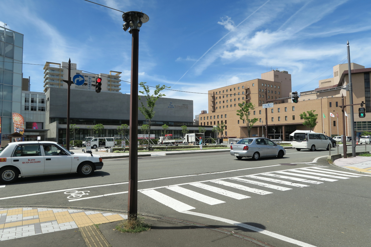 秋田県立美術館(千秋公園近く)