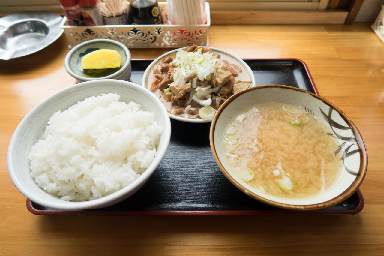 ホルモン定食 ¥740|舘の丸食堂 秋田市