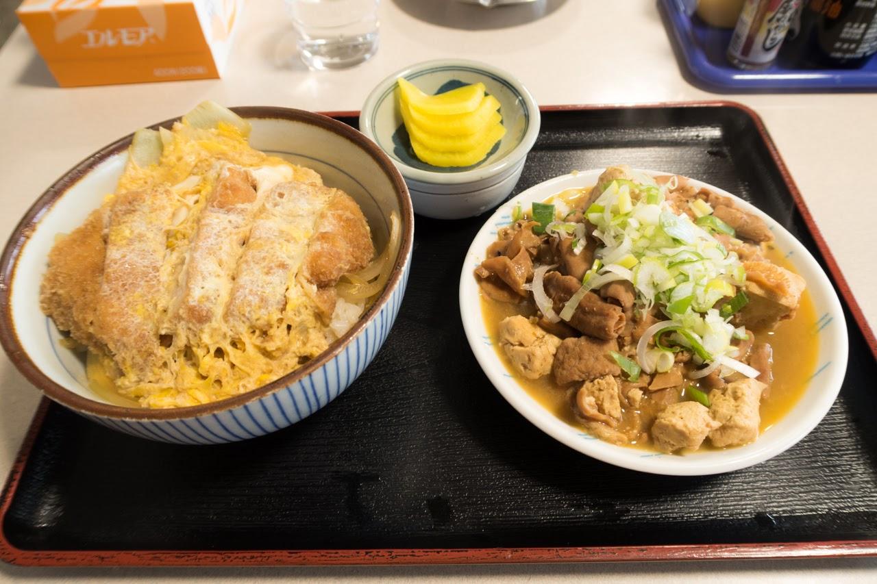 カツ丼 480円 ホルモン単品 ¥480|舘の丸食堂