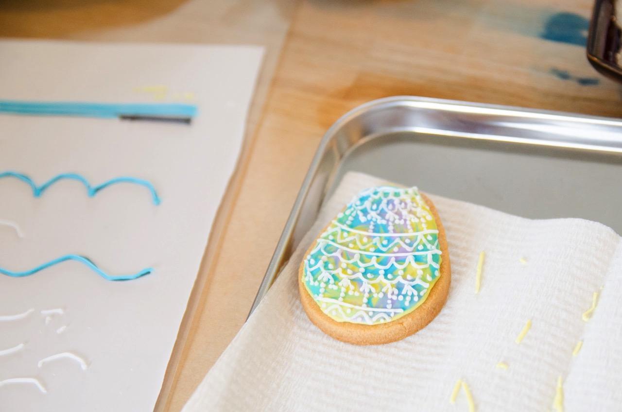 イースターエッグ柄アイシングクッキー