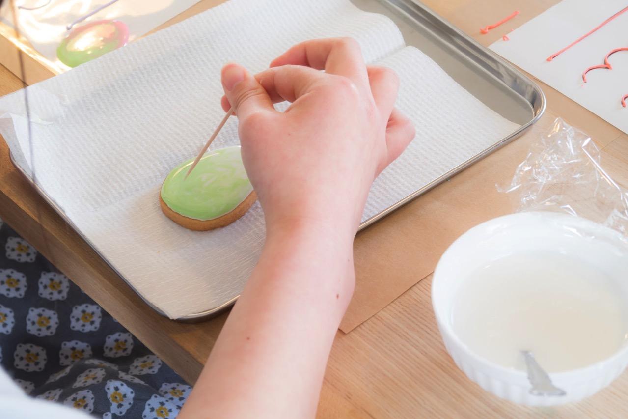 アイシングクッキーのマーブル模様の作り方