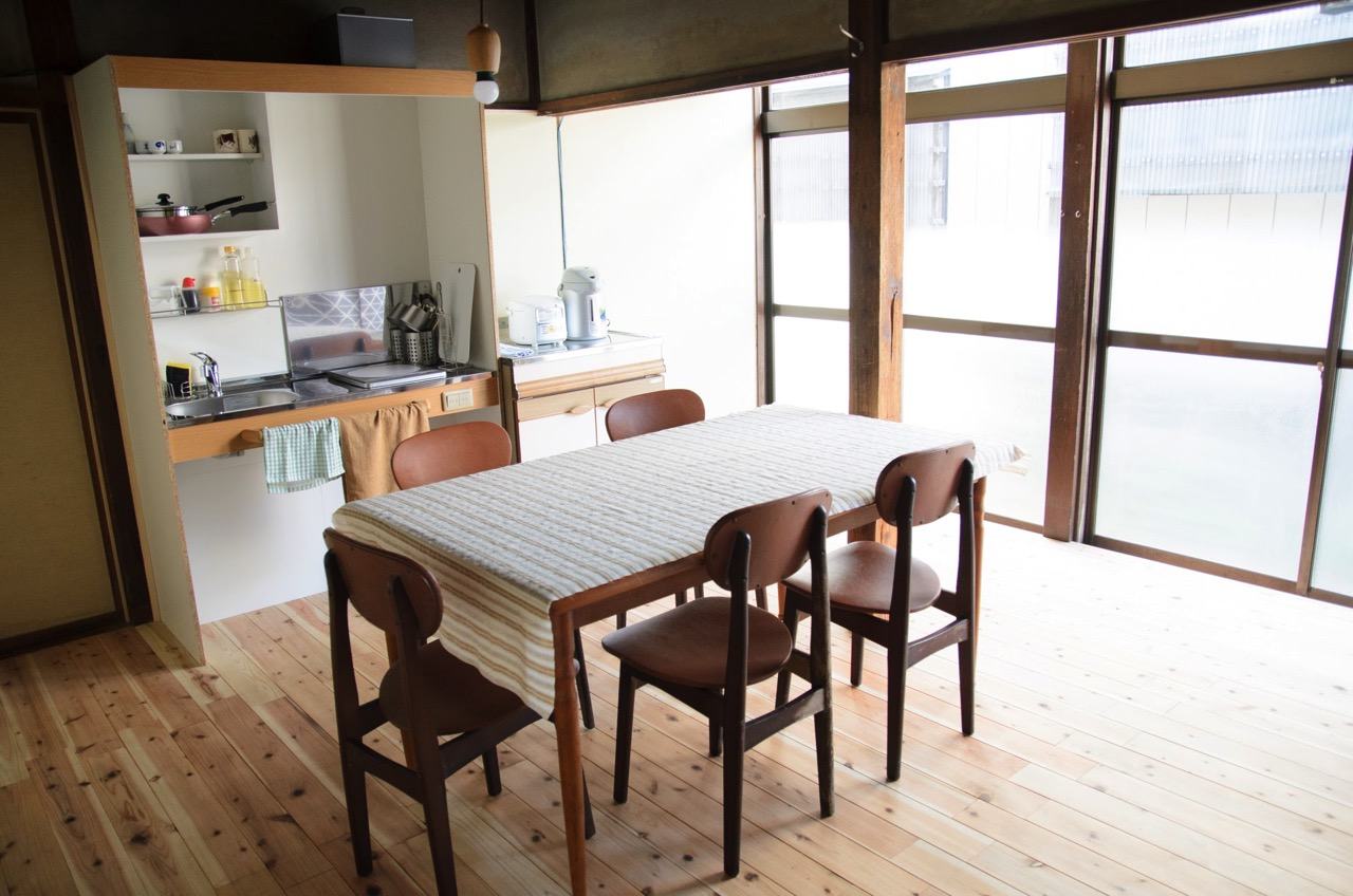 共同のキッチン ゲストハウス CAMOSIBA