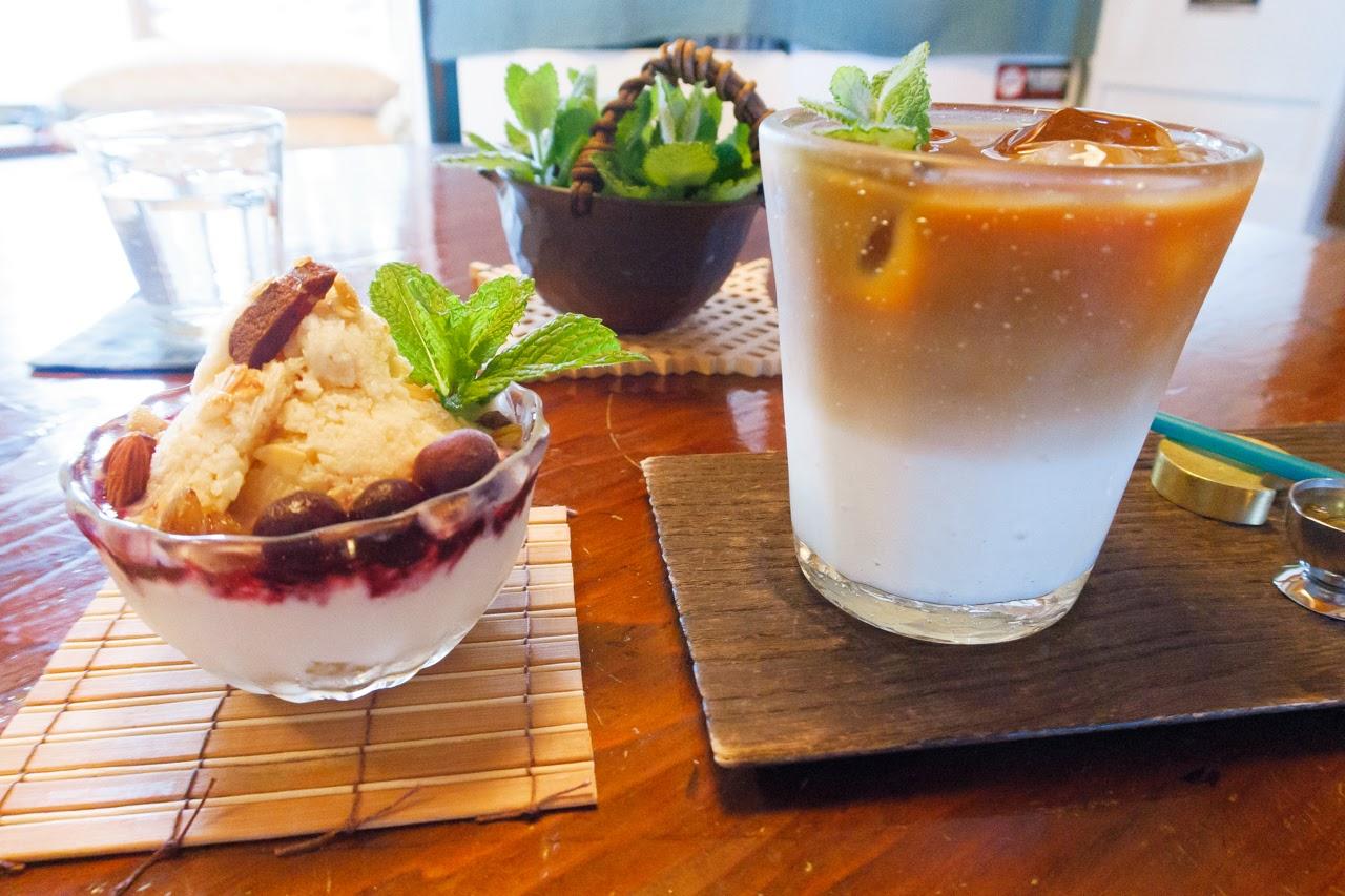 グラノーラのデザートとカフェオレ 里山のカフェ ににぎ
