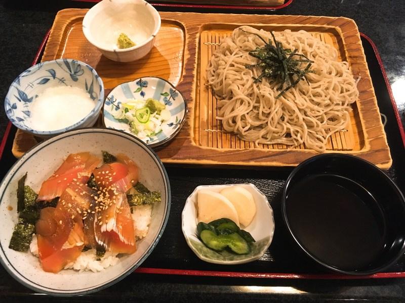 十割蕎麦のセットがお得!半額DAYもある 上小阿仁村高橋旅館