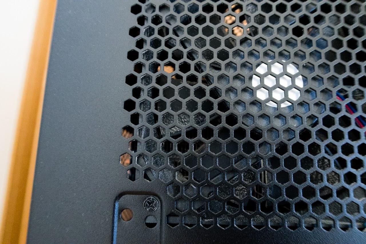 PCファンのほこりを掃除する